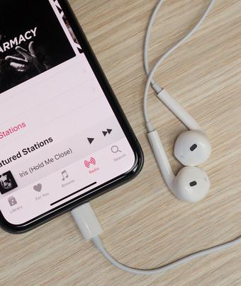 iPhone (ไอโฟน) XS Max ลำโพงแตก เปลี่ยนลำโพงใหม่ ร้านไหนดี อะไหล่แท้