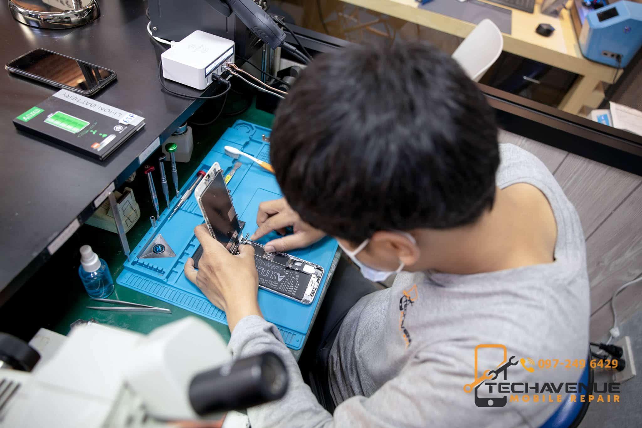 ซ่อมมือถือ กรุงเทพมหานคร ที่ไหนดี ราคาไม่แพง ใช้อะไหล่แท้ทุกชิ้น 🥇 ศูนย์ซ่อม โทรศัพท์มือถือ มือถือทุกรุ่น ทุกยี่ห้อ iPhone | Apple | Samsung | Huawei