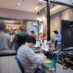 ซ่อมโทรศัพท์ แถว สี่แยกห้วยขวาง ร้านไหนดี ซ่อมเองไม่ส่งต่อ 🥇 ศูนย์ซ่อม โทรศัพท์มือถือ มือถือทุกรุ่น ทุกยี่ห้อ iPhone | Apple | Samsung | Huawei
