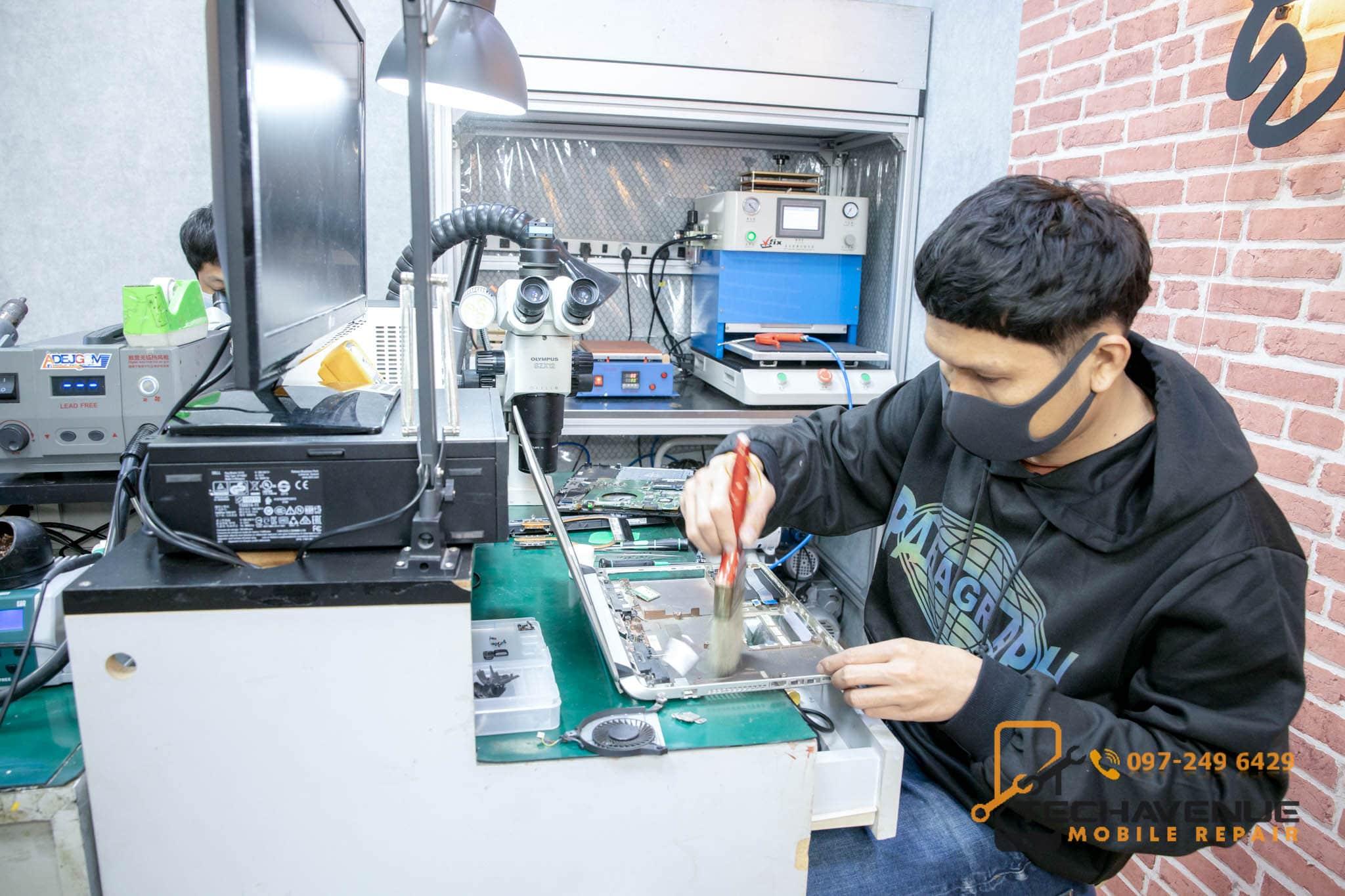 ซ่อม Mac book ตึกฟอร์จูน ร้านไหน ของแท้ รอรับได้เลย 🥇 ศูนย์ซ่อม โทรศัพท์มือถือ มือถือทุกรุ่น ทุกยี่ห้อ iPhone | Apple | Samsung | Huawei