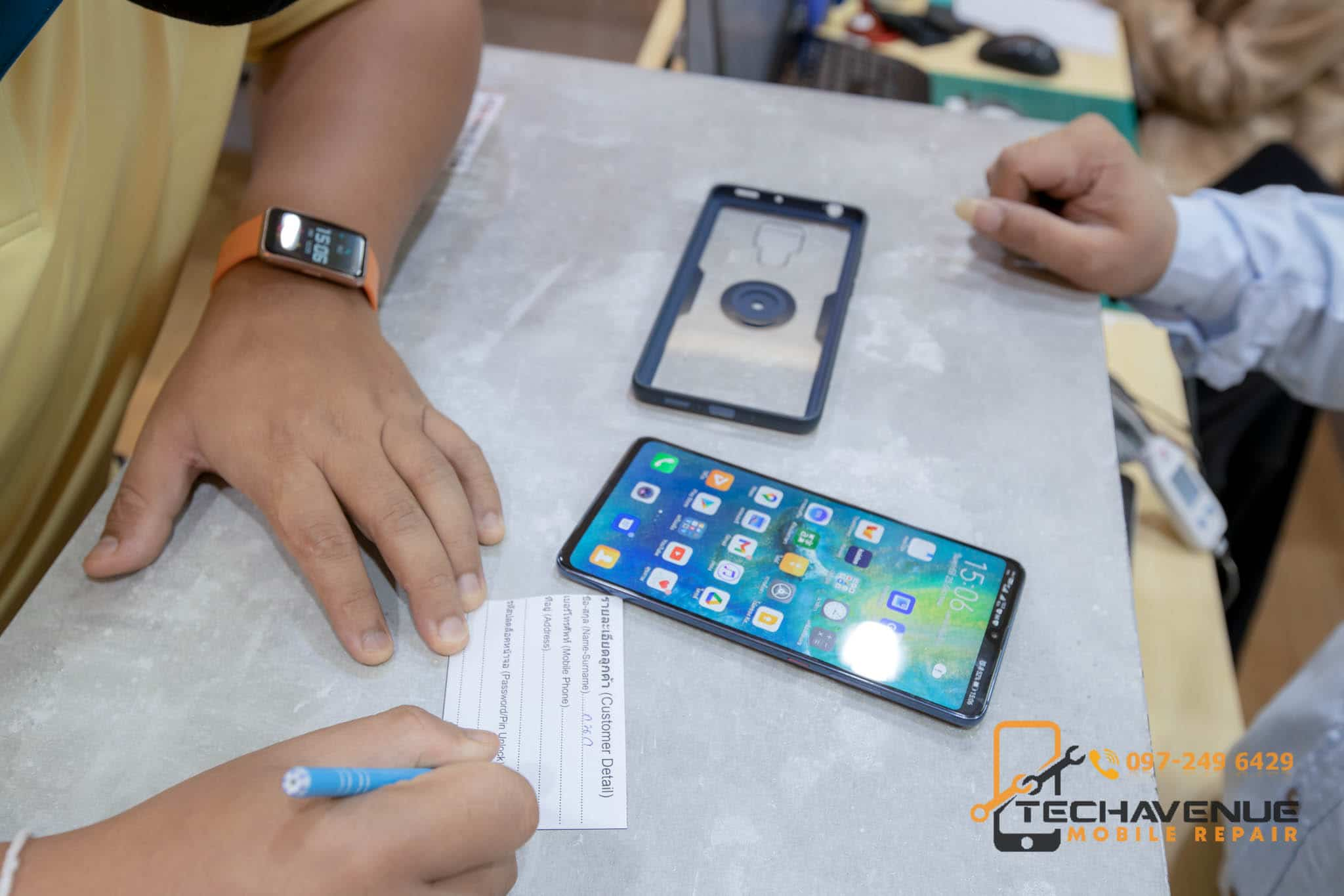 มือถือ Huawei (หัวเว่ย) nova 6 แบตบวม ซ่อมร้านไหนดี รับได้เลย