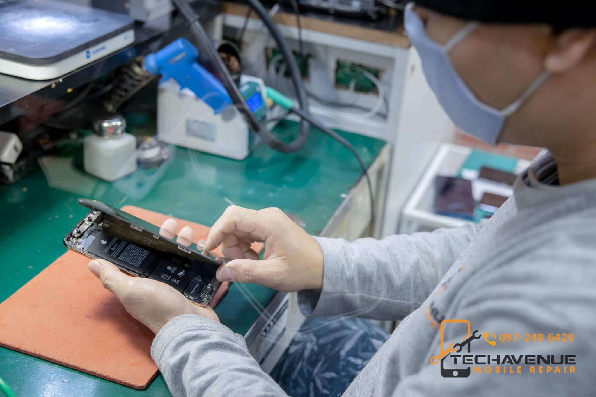 มือถือ iPhone ไอโฟน XS Max บอดี้แตก ซ่อมร้านไหนคุ้มสุด 🥇 ศูนย์ซ่อม โทรศัพท์มือถือ มือถือทุกรุ่น ทุกยี่ห้อ iPhone | Apple | Samsung | Huawei