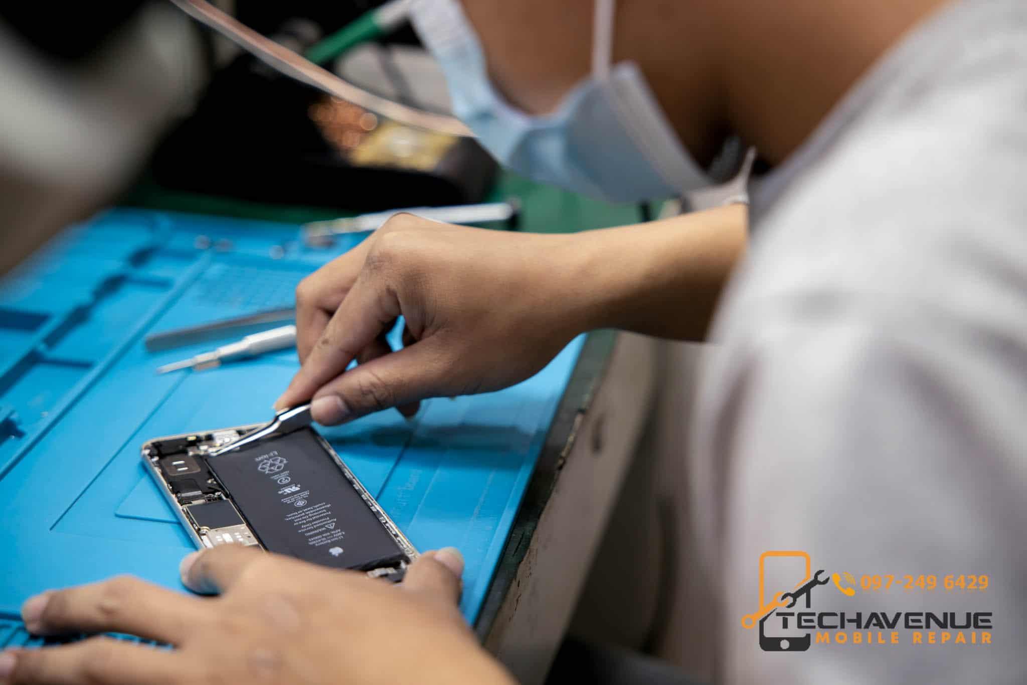 ร้านซ่อมมือถือ Xiaomi อะไหล่ แท้ ราคาถูก ตึกฟอร์จูน