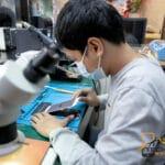 3 วิธี ง่ายๆ เช็ค iPhone ไอโฟน เมื่อชาตจ์แบตไม่เข้า 🥇 ศูนย์ซ่อม โทรศัพท์มือถือ มือถือทุกรุ่น ทุกยี่ห้อ iPhone   Apple   Samsung   Huawei