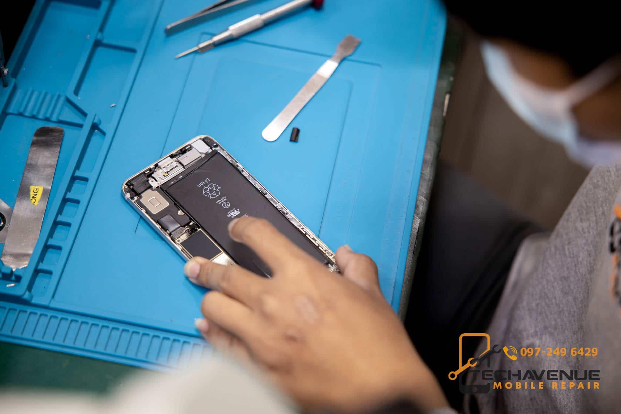 Huawei หัวเว่ย P20 เครื่องร้อน ส่งซ่อมมือถือร้านไหนดีที่สุด 🥇 ศูนย์ซ่อม โทรศัพท์มือถือ มือถือทุกรุ่น ทุกยี่ห้อ iPhone | Apple | Samsung | Huawei